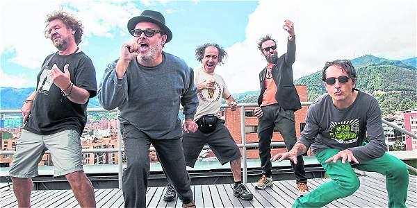 Por primera vez Los Toreros Muertos en el Vive Latino @torerosmuertos_